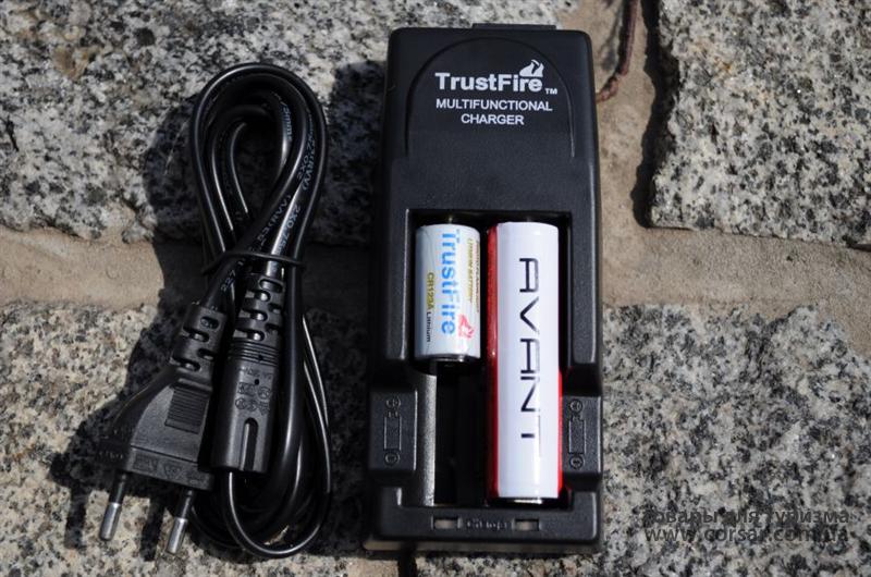 Зарядное устройство TrustFire 2x18650, 16340  TR-001